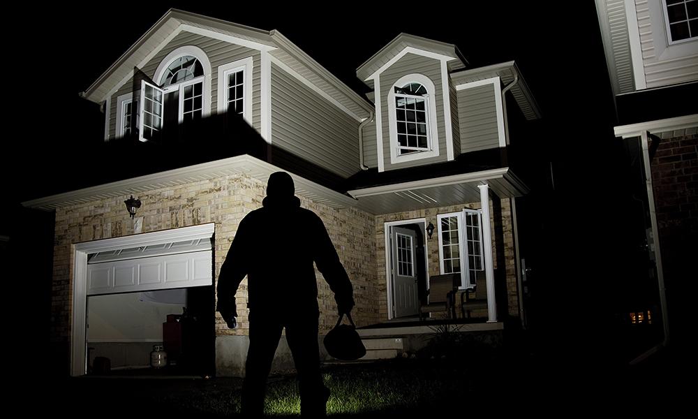 Huis Donker Hout : 8 tips voor een optimaal beveiligd huis! brico voor de makers