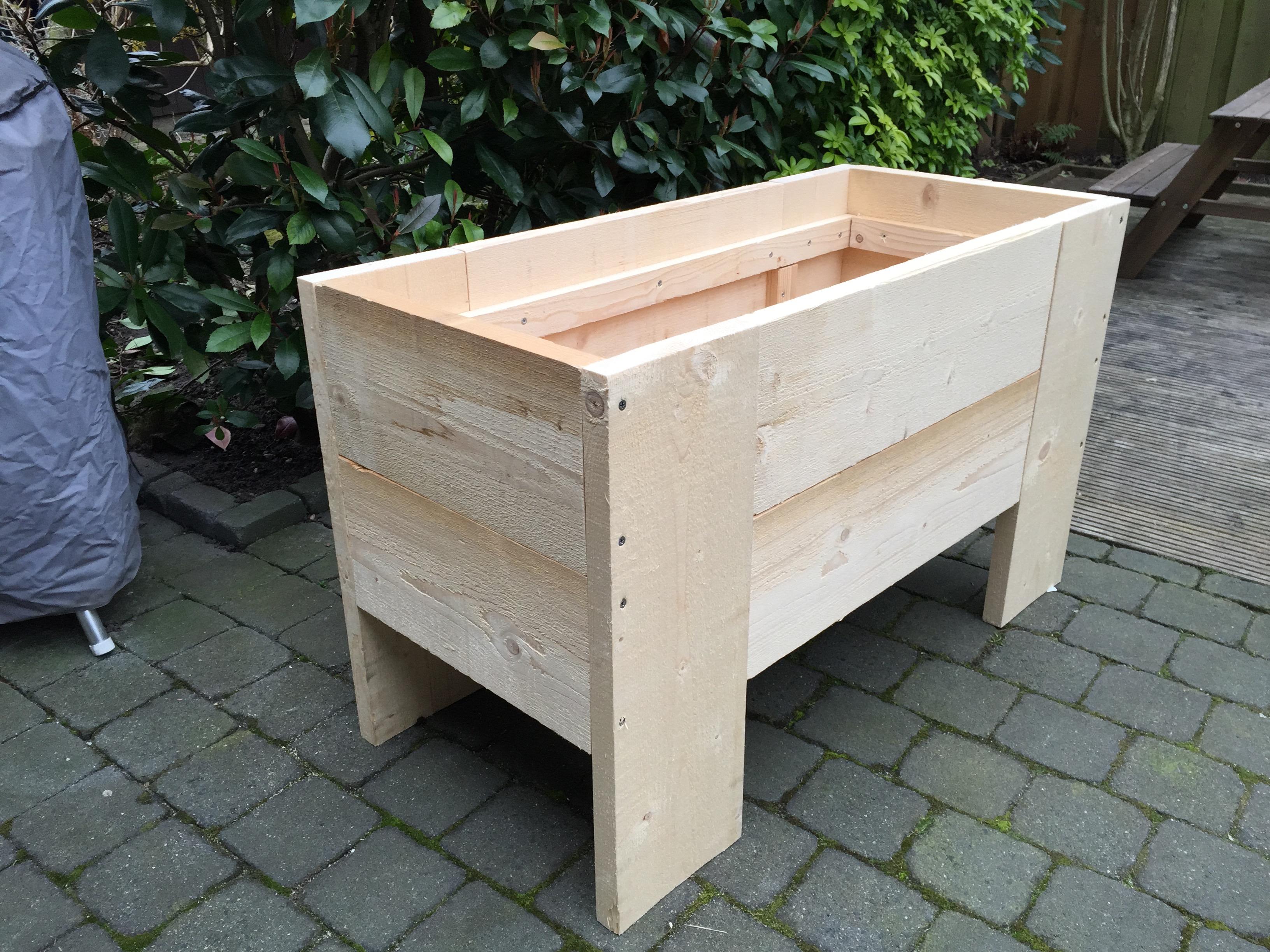 Plantenbak van beton maken voor de makers for Foto op hout maken eigen huis en tuin