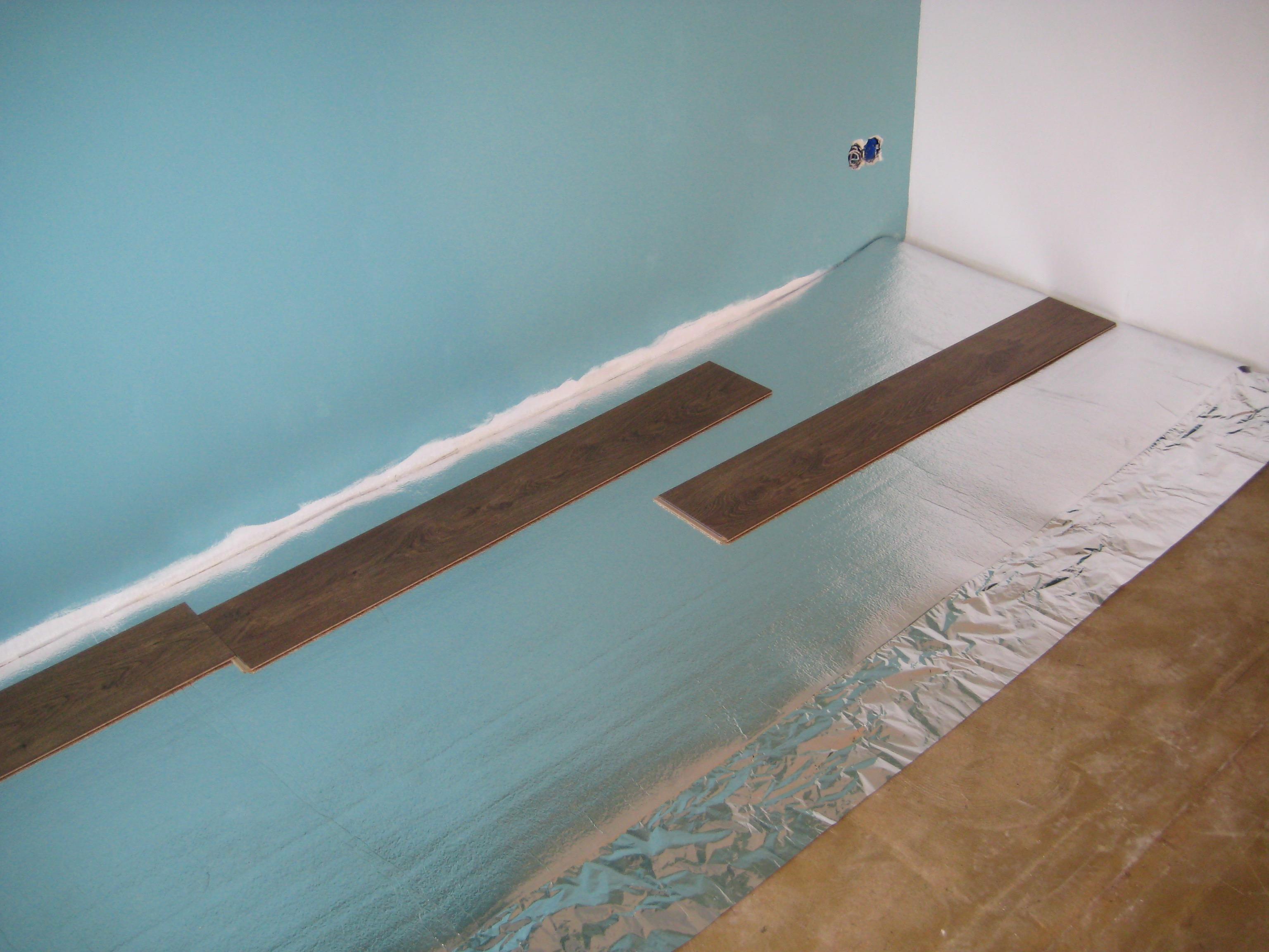 Ondervloer leggen   Voor de makers