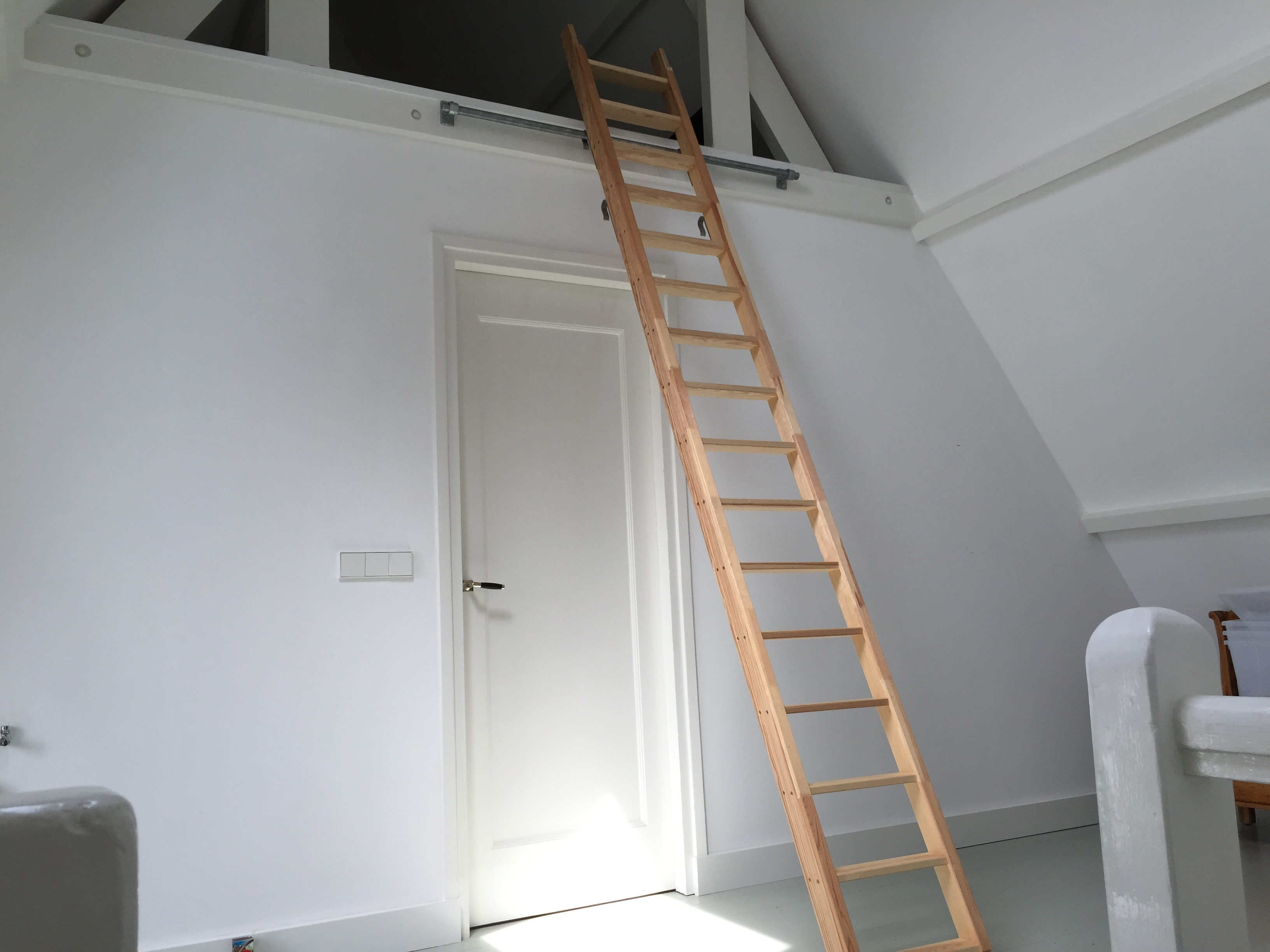 Zolder trap ladder voor de makers - Mezzanine trap ...