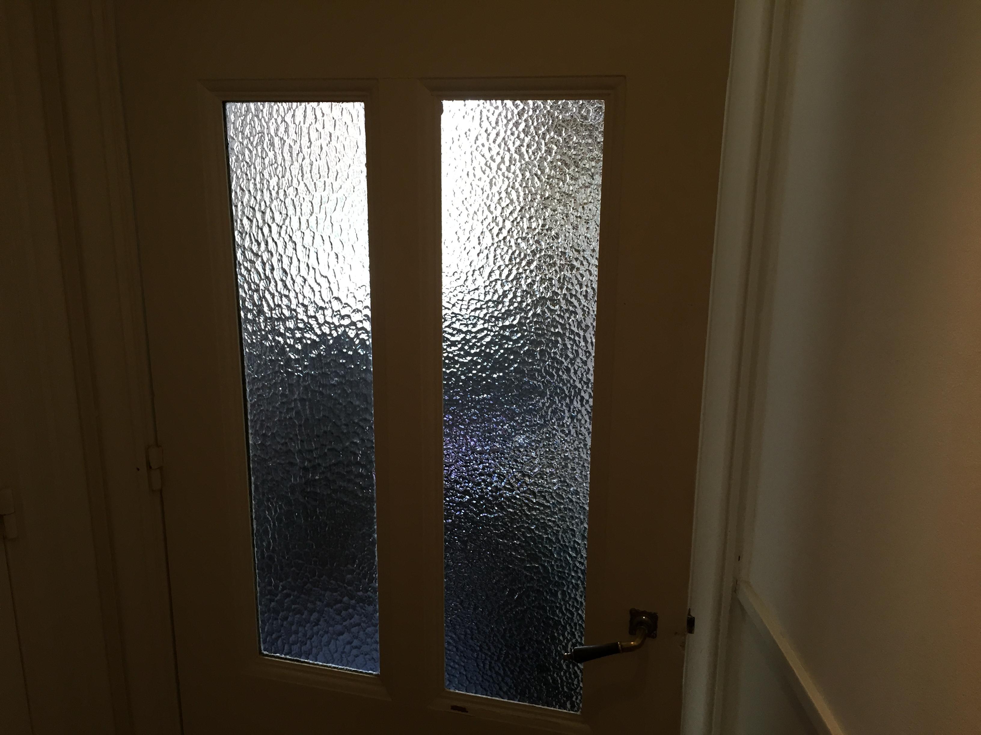 Remplacer une vitre cass e pour les makers - Remplacer une vitre de porte ...
